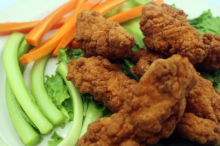 chicken tenders on plate - best chicken tenders appetizer and diner in portsmouth nh