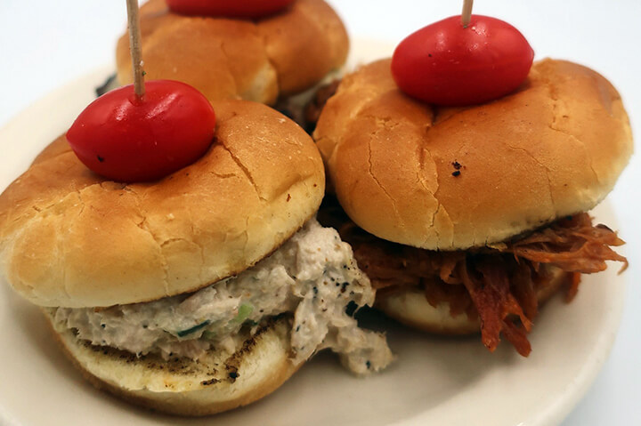 hamburger sliders on plate - best hamburger sliders lunch in portsmouth nh